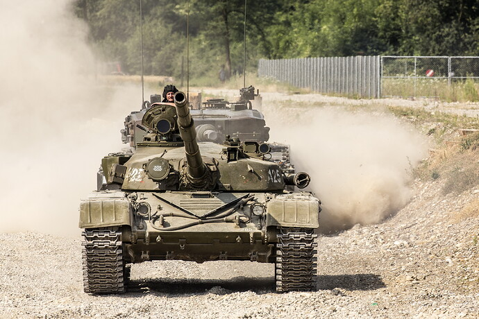 Tanks_T-72_T-72M_Russian_523247_5135x3423