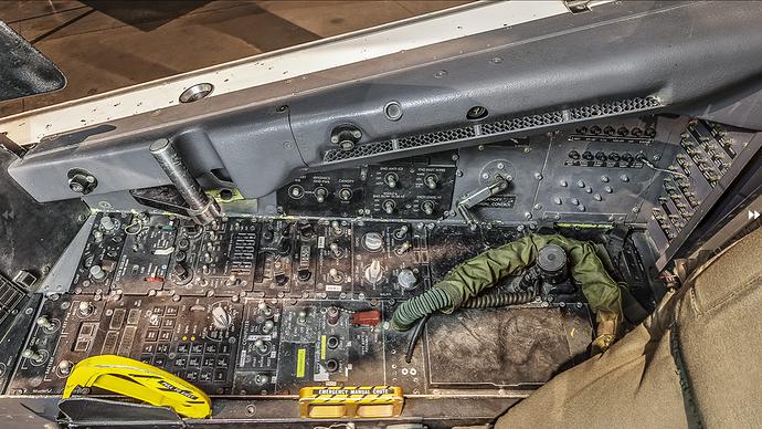 1600px-Lockheed_F-117A_Nighthawside