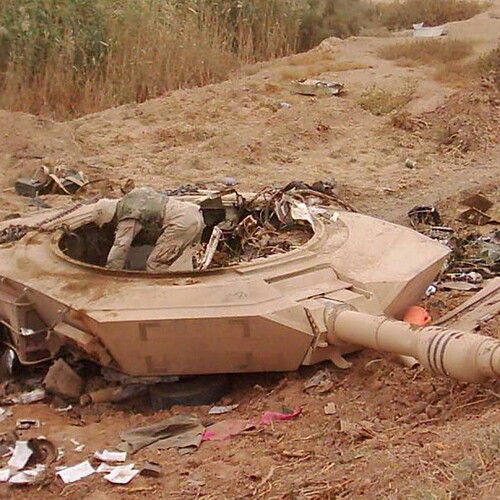 T-90_protiv_Abrams_08-1024x1024