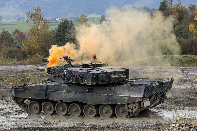 Tanks_Leopard_2_German_522137_5346x3564