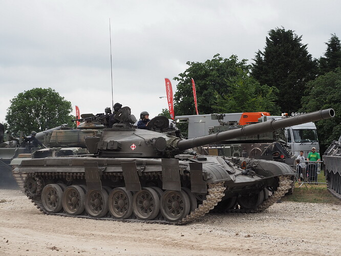 Tanks_T-72_Tankfest_2015_436160