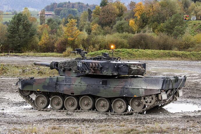 Tanks_Leopard_2_German_521816_5760x3840