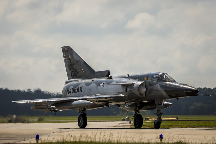 F-21_KFIR_taxis_on_the_flight_line_affort
