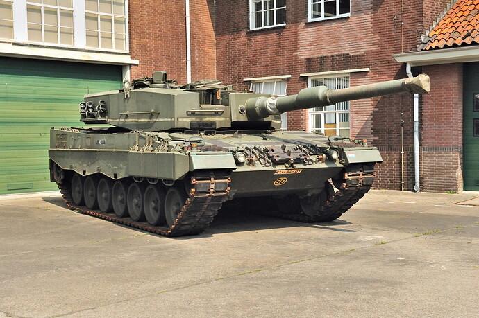 Tanks_Leopard_2A4_439658