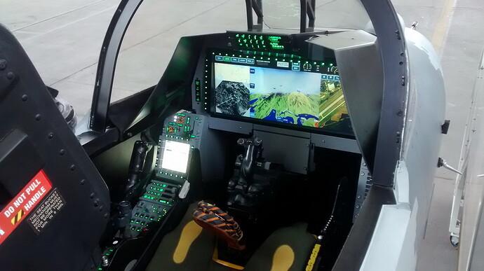 Cockpit-do-mockup-do-Gripen-NG-presente-no-Dia-da-Aviação-de-Caça