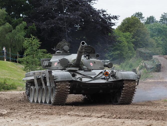 Tanks_T-72_Tankfest_2015_436080