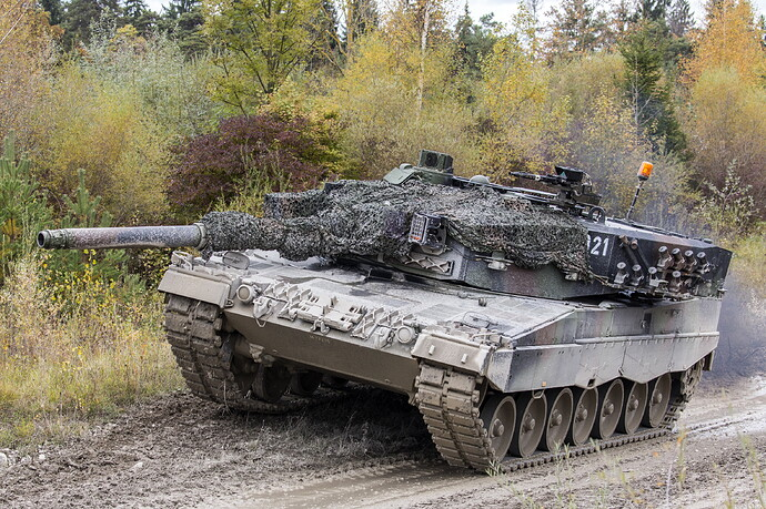 Tanks_Leopard_2_German_521717_5256x3504