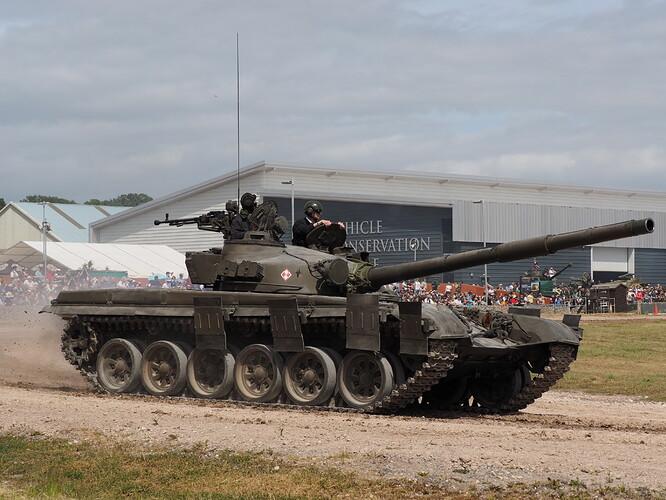 Tanks_T-72_Tankfest_2015_436478