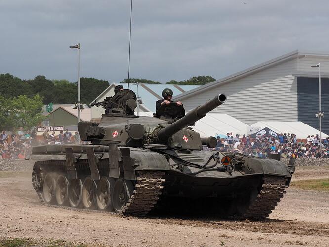 Tanks_T-72_Tankfest_2015_436505