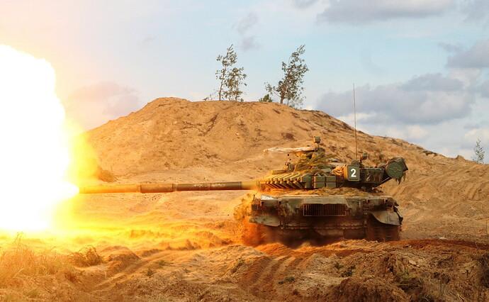 Tanks_T-72_Firing_Russian_540395_4087x2523