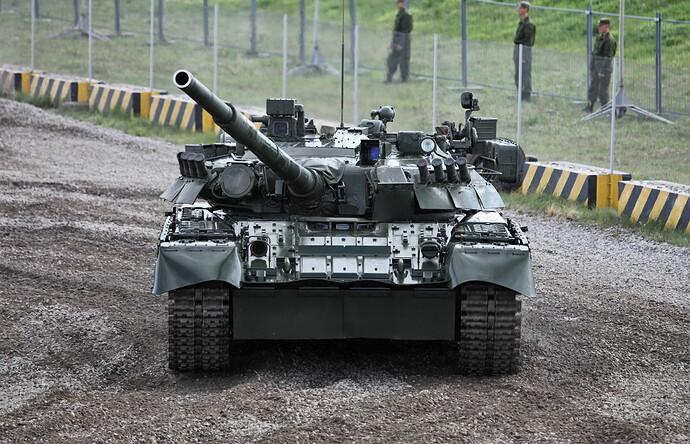 T-80U_MBT_photo004