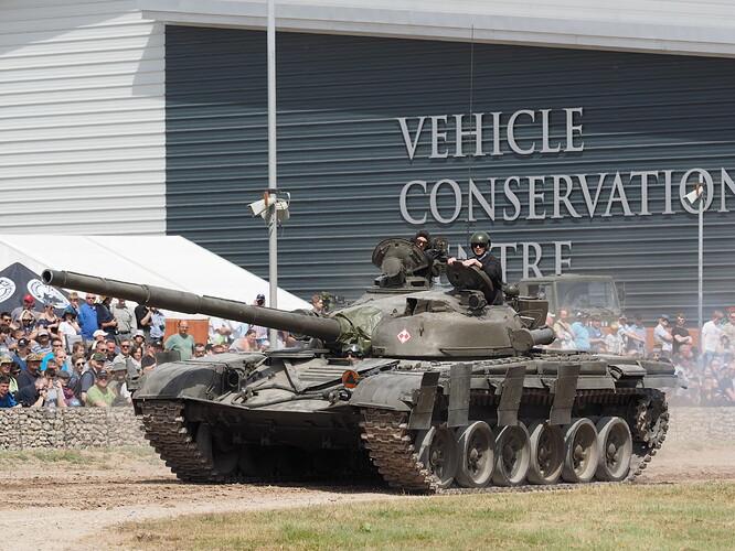 Tanks_T-72_Tankfest_2015_436006